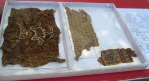 Предметы, найденные в ходе раскопок уаки Санта-Роса представлены на временной экспозиции музея «Царские гробницы Сипана». Фото - агентство Andina