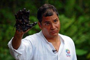 Президент Эквадора Рафаэль Корреа заявил о намерении направить доходы от нефтедобычи на решение проблем нищеты и некачественного здравоохранения. Фото - Rodrigo Buendía.