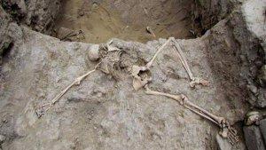 Останки женщины, принесенной в жертву жрецами мочика