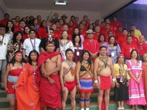 Венесуэльские индейцы принимают участие в конференции за мир и получают права на землю. Фото - Venezolana de television / vtv.gob.ve