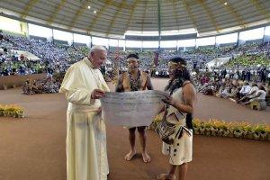 Папа Римский выразил обеспокоенность судьбой амазонских индейцев
