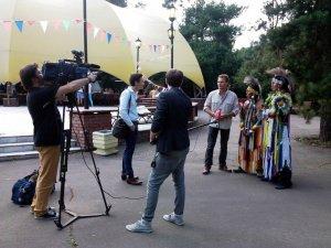 """Группа """"Yarik Ecuador"""" на канале ТВЦ """"Московская неделя"""". Фото - yarik-ecuador.com"""