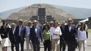 Теотиуакан посетили президент Мексики Энрике Пенья Ньето и премьер-министр Японии Синдзо Абэ