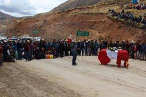 Кровавый медный рудник Лас-Бамбас заблокирован гробом своей очередной жертвы