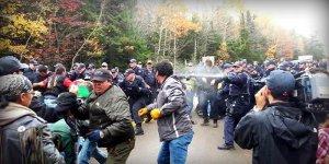 Блокада дороги в Канаде завершилась столкновениями и арестами противников добычи сланцевого газа (видео)