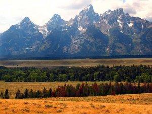 Индейцы племен штата Вайоминг требуют переименовать горы и долины Йеллоустонского парка