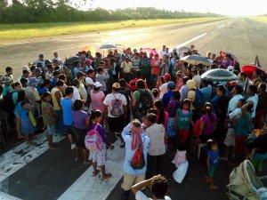 Индейцы-ачуар в Перу захватили аэродром и нефтяной участок. Фото: lamula.pe