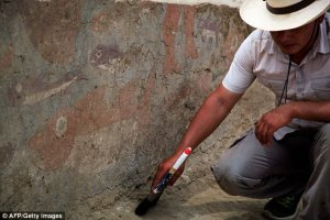 Церемониальный зал культуры Мочика обнаружен во время раскопок в Перу. Фото: AFP