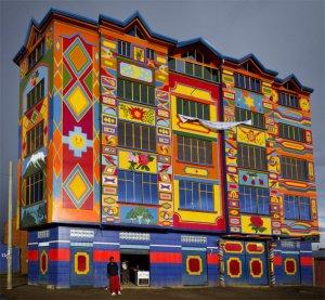 Яркие дома в Эль-Альто – аймарский стиль. Фото: mariolandivar / flickr.com