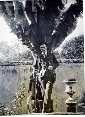 В. Маяковский в Мехико, 1925 г. Фото ГЛМ / goslitmuz.ru