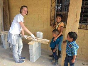 Российские волонтёры 24 февраля открывают для индейцев майя бесплатную клинику. Фото: vk.com/heandhe