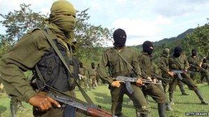 Разборки партизан в Колумбии вынудили индейцев сбежать на эквадорскую территорию