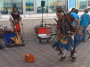 Омичи до 27 июля могут насладиться на улицах города музыкой индейцев из Эквадора. Фото - Юлии Журавлевой