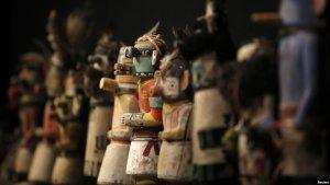 На аукционе в Париже продавали индейские реликвии: навахо скупали, хопи протестовали. Фото - REUTERS