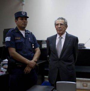 Гватемальский суд признал виновным бывшего президента Гватемалы Хосе Эфраин Риос Монтта в геноциде и преступлении против человечности