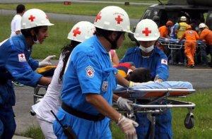 Автобус с индейцами сорвался в ущелье в Колумбии, есть жертвы. Фото - COLPRENSA