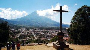 Российских туристов в Гватемале интересует история майя. На фото - Антигуа-Гватемала