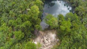 Недавно найденные в Белизе храм и сенот, где майя во время засух приносили жертвы богу дождя