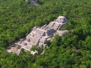 Калакмуль стал объектом Всемирного наследия смешанного типа - по культурному и природным критериям. Фото - INAH