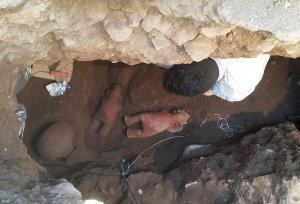 В Западной Мексике раскопали неразграбленную 1700-летнюю гробницу. Фото: Rafael Platas / INAH