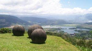 Загадочные камни сферической формы из Коста-Рики. Считается, что эти почти идеально круглые камни (95%) были результатом труда индейцев борука