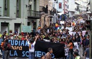 В Эквадоре проходят протесты против добычи нефти в заповеднике Ясуни. Фото - AFP / Juan Cevallos.