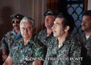 Генерал Риос Монтт (в центре) объявляет о военном перевороте. Гватемала. 23 марта 1982 г.