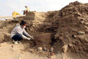 В комплексе Уака-Пукльяна (Перу) найдены 2 мумии культуры Уари. Фото - EFE