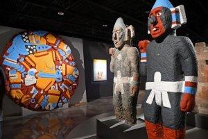 Скульптуры Теночтитлана показывают ярко раскрашенными на выставке в музее Темпло Майор