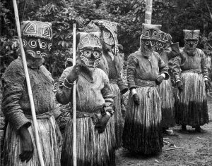 Индейцы юкуна в масках. Фото R.E. Schultes
