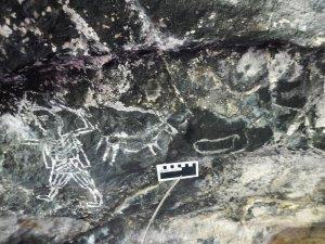 В Мексике найдена пещера с 500-летними наскальными изображениями конкистадоров. Фото: INAH