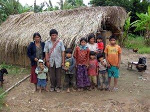 Семья индейцев цимане. Архивное фото / Adrian Jaeggi