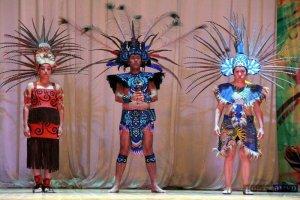 Мексиканский фольклорный ансамбль Hueye Ocotl на международном фестивале «На стыке трех культур». Фото - ИА «Порт Амур».