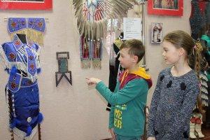В Елабуге открылись сразу две выставки: «Североамериканские индейцы: мифы и реальность» и «Мексика далёкая рядом». Фото: ЕГМЗ / elabuga.com