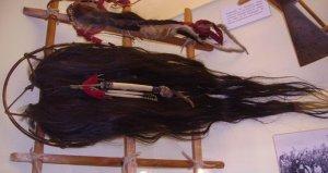 Скальпы из музея Карла Мая в Радебойле (Германия). Фото 2005 г. - commons.wikimedia.org