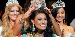 Индианка кри стала обладательницей титула «Миссис Вселенная — 2015»