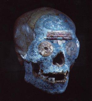 Инкрустированный камнями миштекский череп оказался «частичной подделкой». Фото: Национальный музей этнологии в Лейдене