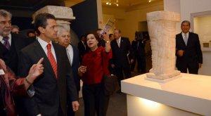 Президент Мексики Энрике Пенья Ньето на выставке