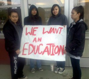 Индейцам в США сложно получить образование. Фото - thenativecircle.org