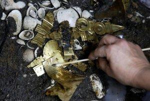 Золото ацтеков и принесённый в жертву волк – находки в Мехико. Фото: REUTERS/Henry Romero