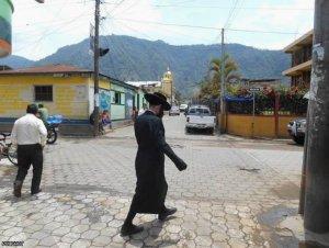 Жители гватемальского городка на озере Атитлан хотят изгнать небольшое еврейское сообщество. Фото - Игорь Ротарь / Росбалт