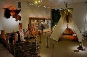 Выставка «Североамериканские индейцы (мифы и реальность)». ЦМВС РФ, 2015 г. Фото: Команч Квизюков