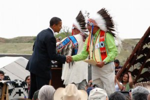 Б. Обама в индейской резервации Кроу Эдженси в Монтане. 19 мая 2008 г. Фото - Reuters