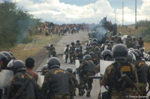 В Перу начинается суд над индейцами, обвиняемыми в убийствах во время беспорядков 2009 года у «Курва-дель-Дьябло». Фото - Thomas Quirynen