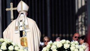 Папа Франциск отказался извиниться от имени Католической церкви за многовековое нарушение прав детей коренных народов. Фото: Franco Origlia / Getty Images / abc17news.com