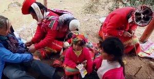 У Ольянтайтамбо туристы могут узнать о традициях ткачества кечуа