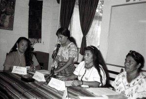 Организация Континентальной сети женщин коренных народов Америки (ECMIA). Архивное фото 1996 г. / ecmia.org