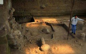В парке Румипамба, расположенном в эквадорской столице, обнаружены самые древние археологические следы в истории города: глиняная структура прямоугольной формы, которая была сооружена, согласно радиоуглеродным исследованиям, за 2 200 лет до н.э. Фото - EFE