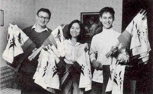 Семья Блэйр занимается интересным и прибыльным делом: продает флаги Российско-американской компании.