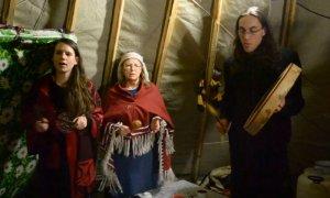 Представители племени самиш приехали наладить связь с ненцами